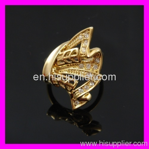 Indian gold ring adorned with big zircon 1321698