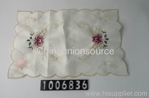 Embroidery table mat