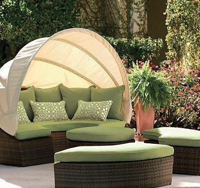 Outdoor Wicker Sofa - Choosing the Right Type of Outside ...