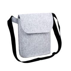Felt shoulder bags