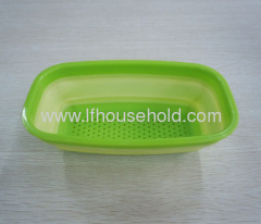 green rectangle collapsible colander