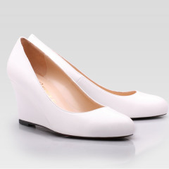 white ladies wedge heel round toe shoes