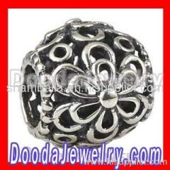 european Picking Daisies Charm Wholesale