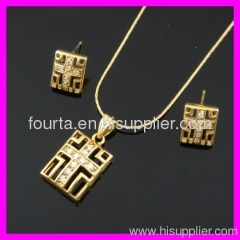 Gold Cross Design Jewelry Set 1120275