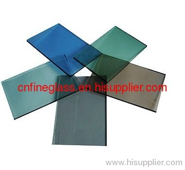 Tinted float glass high strength and thermal stability