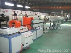 plastic pipe extruding machine