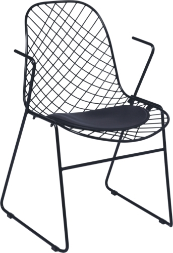 Bertoia Chairs: Classic Piece of Furniture