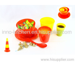 Plastic Bowl Storage Set With Measuring Cups And Spoon