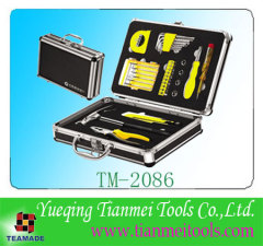33 piece promotional household tool set