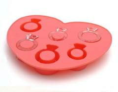 LOVE RING ice tray