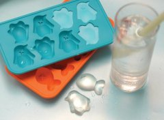 Penguin ice trays cool summer ice cube