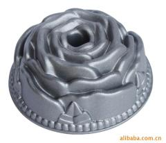 Flower die cast cake mold