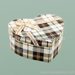 Heart sharp paper gift box