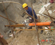 Pipe-rammer in construction