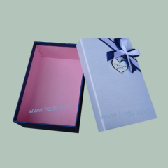 Paper box for ties
