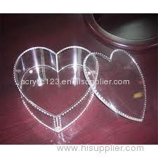acrylic gift box with heart shape