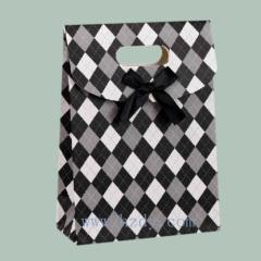 Self-adhesive gift paper bags