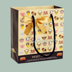 Paper bag with bowknot