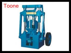 Semi closed 140 honeycomb coal briquetting machine