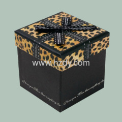 Leopard printed paper gift box for fashion