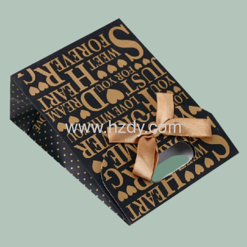 Printed paper bag for gift packaging