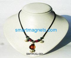 fashionable ferrite magnetic pendant