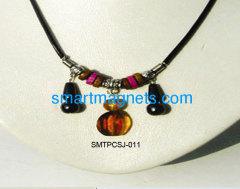 Hotest ferrite magnetic pendant
