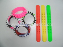2013 fashion silicone colors Slap burr bracelet