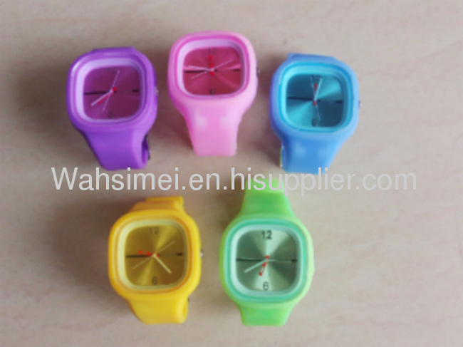 Fast shipping best quality with cheaper price promotional silicon watch with OEM logo