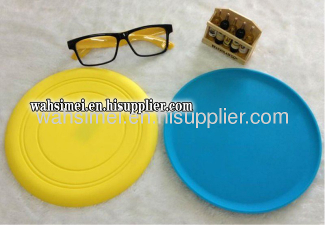 Silicone flying disc for silicone pet toy