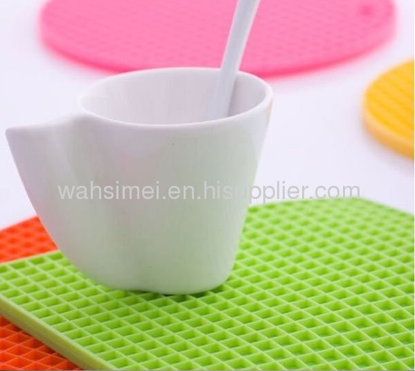Honeycomb silicon cup mats