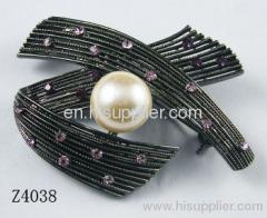 Z4038 Leaf Shape Zinc Alloy Brooch Pin