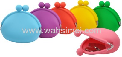 Novelty silicone rubber coin wallet