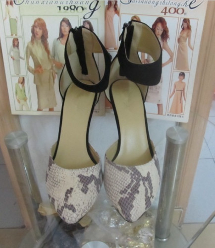 Wide single sole high heel sandals
