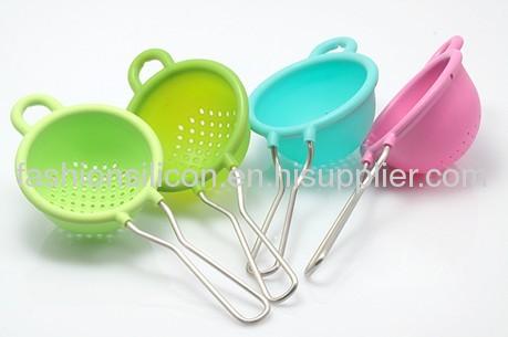 Silicone colander soup spoons