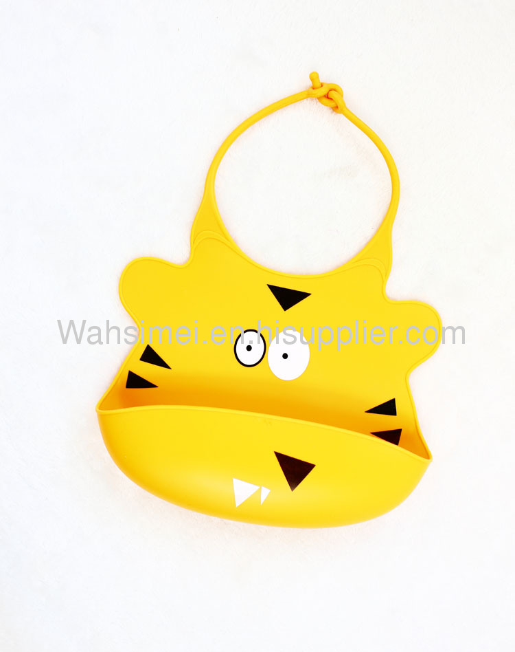 Easy washable ctue aninaml shape silicone bib for lovely baby