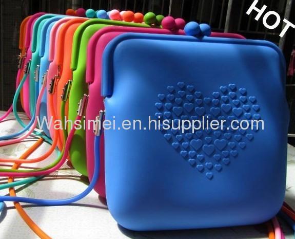 2012 Portable cosmetic rubber silicone handbag for women