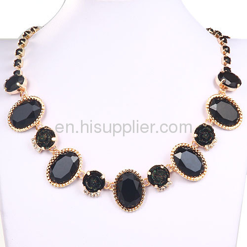 Delicate Crystal Beads ResinFlower Bib Necklace Forever 21 Style Cheap
