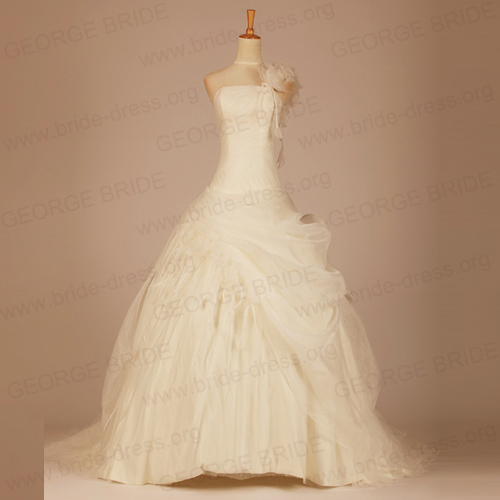 One Shoulder Luxury Organza wedding dress Handmade With Flowers