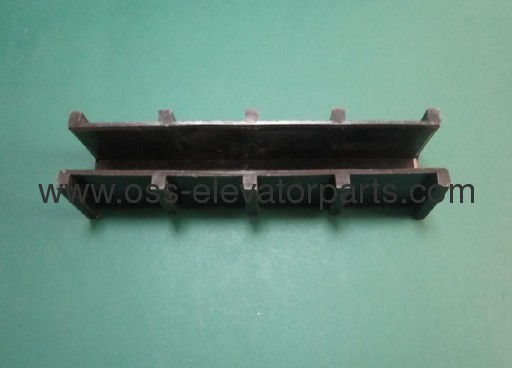 GUIDE SHOE INSERT WITH RIBS FOR CAR, KONE, L 130 MM, RAIL 16 MM, CHINA