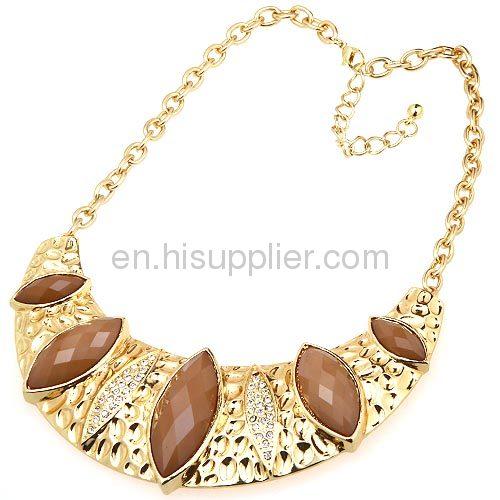 Wholesale Vintage Jewelry Chunky Crescent Bib Choker Necklace Pendant