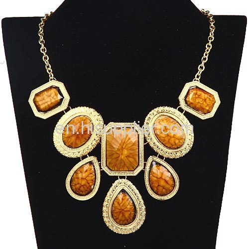 Cheap Brand Design Exquisite Colorful Bib Necklace Vintage Jewelry