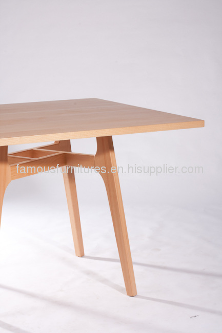 Classic Fine Non Foldable Wooden Round Dining Tables
