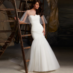 beautiful classic wedding dress 2013