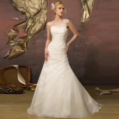 best classic wedding dress 2013