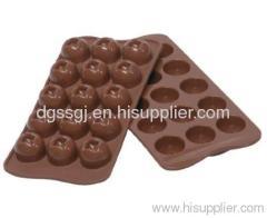 make new year chocolate tray bake