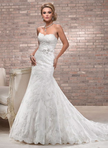 Wedding gowns newest design Caught up strapless gown