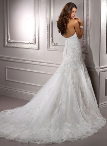 GEORGE BRIDE Elegant Halter Lace Chapel Train Wedding Dress