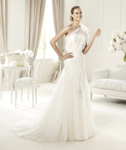 Wedding gowns newest designs A line strapless gown