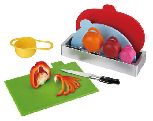 cutting board with cup